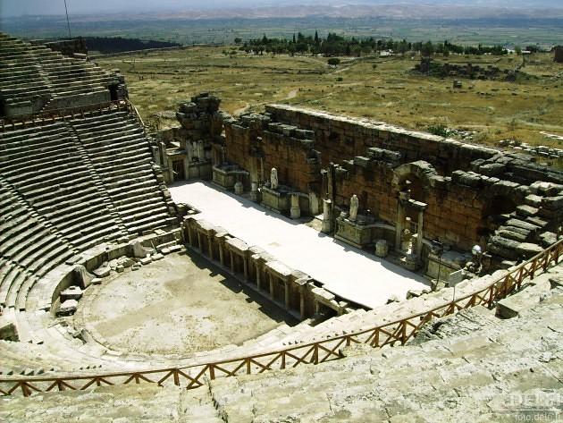 antikinis teatras
